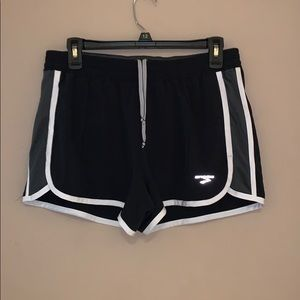 Brooks Running Shorts Size L